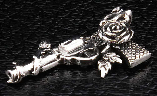 gun-rose-cowboy-pendant